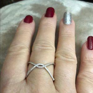 18kT Whitegold X Style ring. .30 cttw